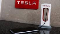 Tesla akıllı telefona da el attı: Yeni oyuncağı: 45 dolara satılıyor