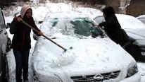 Kar yağışı fena bastırdı, yollar ulaşıma kapandı