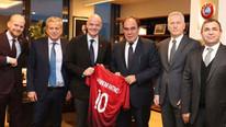 FIFA Başkanı Infantino'dan TFF'ye ziyaret !