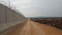 PYD yine kaşınıyor ! Sınırda duvar ören işçilere saldırı