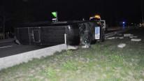 Güreşçileri taşıyan minibüs kaza yaptı !