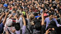 Sokak ortasında kırbaç cezası... Binlerce kişi izledi