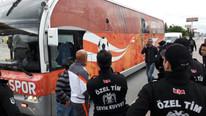 Takım otobüsüne taşlı saldırı