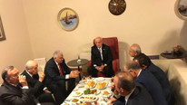 Meclis'te sürpriz zirve ! Liderler kahvaltıda buluştu