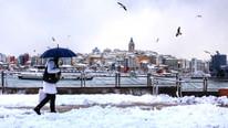 Geliyor, gelecek derken İstanbul'da ilk kar yağışı başladı