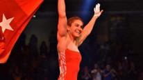 Buse Tosun U23 Dünya Güreş Şampiyonası'nda altın madalya kazandı