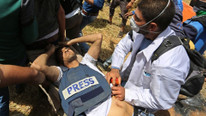 İsrail, Filistinli gazeteciyi öldürdü