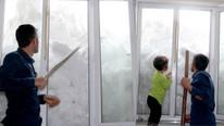 Kar kalınlığı 2 metreyi aştı, evler kara gömüldü