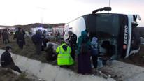 İstanbul'da yolcu otobüsü devrildi; yaralılar var !