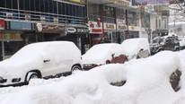 O ilimizde yoğun kar yağışı ! Okullar tatil edildi