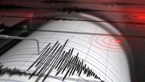 Vatandaş soluğu sokakta aldı ! Çanakkale'de korkutan deprem
