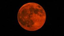 ''Süper ay'' depremi tetikler mi?