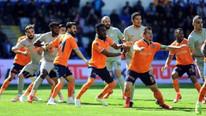 Başakşehir - Rizespor maçını karıştıran pozisyon