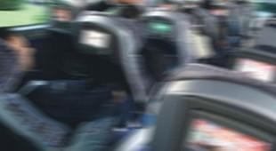 Üniversite otobüsünde iğrenç olay !