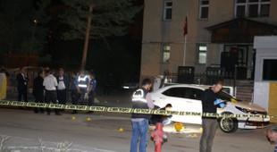 Emniyet binasının önünde kavga: Ölü ve yaralılar var