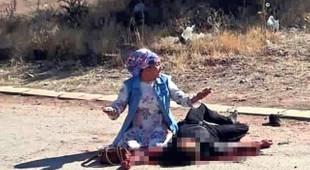 Eşinin kaçtığı adamı sokak ortasında vahşice öldürdü