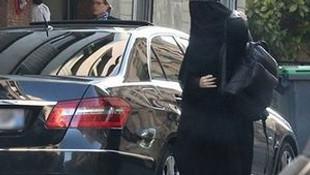 Gisele Bündchen kara çarşafa büründü