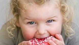 Şekere bağımlı çocuk alkol bağımlılığına da aday!