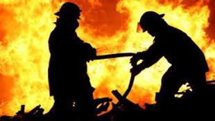 Karnaval Radyo'da yangın paniği