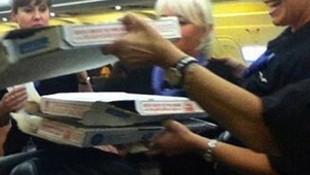 Pilottan yolculara pizza jesti !