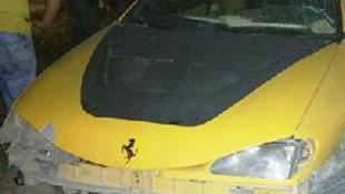 TIR, üstü açık arabayı biçti: 2 ölü