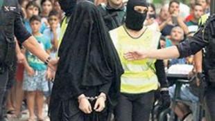 IŞİD'ci kadını sokak sokak dolaştırdılar