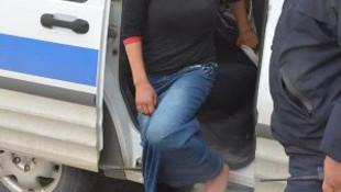 Çıplak ayakla 10 kilometre yürüyüp, polise sığındı