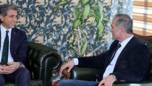 Fatih Belediye Başkanı Demir Aa'yı Ziyaret Etti