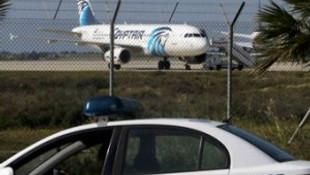 Yolcu uçağını kaçıran hava korsanı teslim oldu