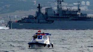 Rus savaş gemisi İstanbul Boğazı'ndan geçti !