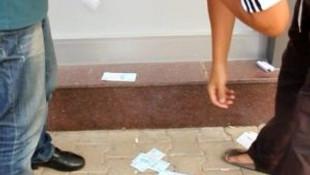 ATM'nin çöpünden banknotlar çıktı !