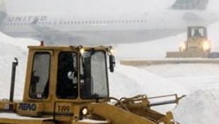 1.400 uçuş iptal edildi
