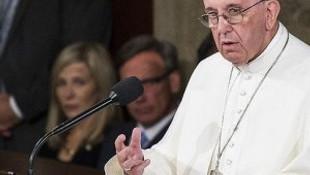 Papa 'ikinci köstebek skandalı'nın hükümlüsünü affetti