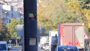 Sürücüleri isyan ettiren hız radarında flaş karar