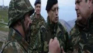 Yunanistan adalardaki sivillere silah eğitimine başladı