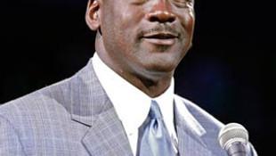 Michael Jordan 100 milyon dolar kazandı