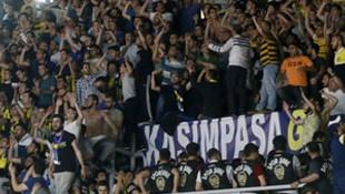 Fenerbahçe taraftarından Aziz Yıldırım'a şok