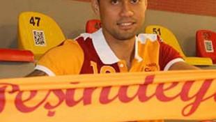 Galatasaray Tuia ile anlaştı