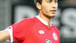 Mainz 05, Suat Serdar'ın sözleşmesini uzattı