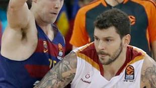 Galatasaray, Barcelona'yı dağıttı !