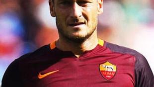 Roma'dan Totti'ye 6 yıllık teklif !