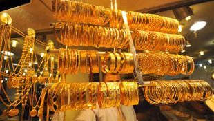 Yastık altından 10 günde yarım ton altın çıktı