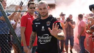 Sneijder formayı unuttu !
