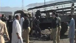 Polisleri taşıyan kamyona bombalı saldırı: En az 7 ölü
