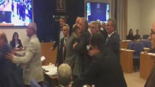 Meclis'te ''saçlarını taramadan buraya geliyorsun'' kavgası