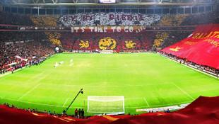 Galatasaray taraftarından derbiye özel koreografi
