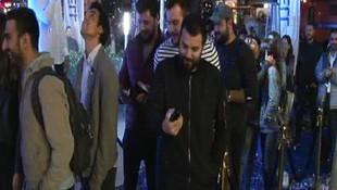 İstanbul'da iPhone 8 çılgınlığı ! Kuyruğa girdiler...