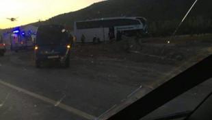 Afyonkarahisar'da tur otobüsü TIR'la çarpıştı: Çok sayıda yaralı