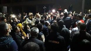 Ankara Büyükşehir Belediyesi önü karıştı