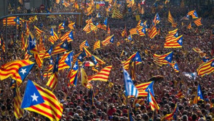 İspanya'da tarihi karar: Katalonya yönetimi feshedildi